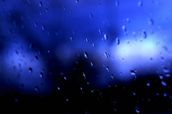 20060228101328 blue rain small